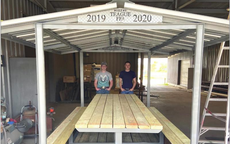 Teague FFA builds two picnic tables