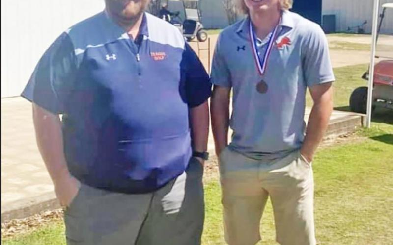 Teague golfers advance to Regionals