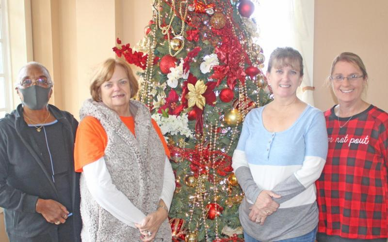 Locals enjoy 1st annual Chamber bake off