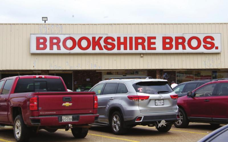 Brookshire Bros. staff keeps community informed about supplies